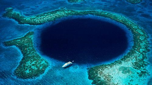 Картинки по запросу марианские острова достопримечательности