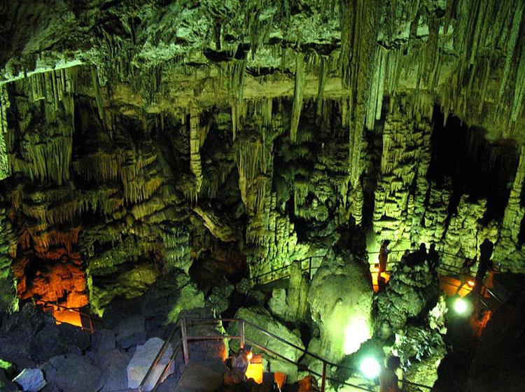 Пещера Зевса