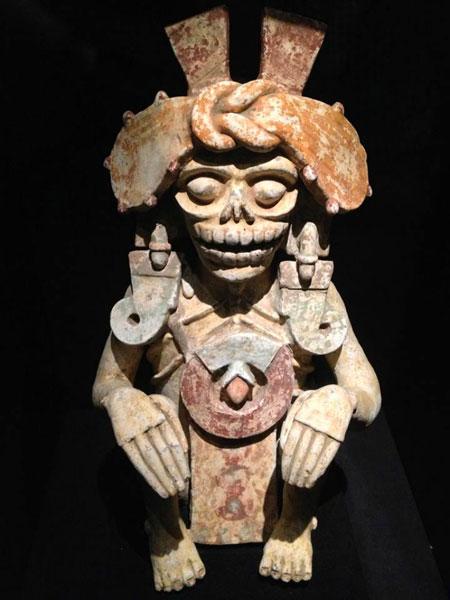 Богиня Миктлансиуатль