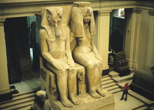 Аменхотеп 3 и его жена Тия