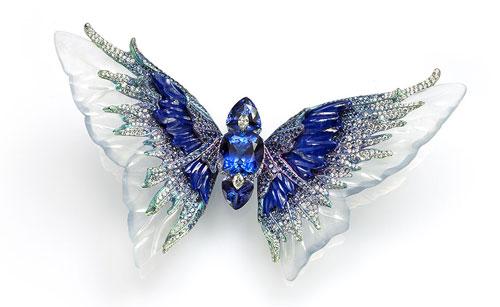 бабочка с сапфиром