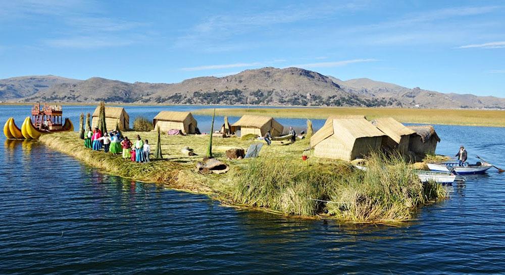 Жители озера Титикака