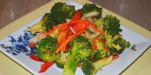 Салат из брокколи по-корейски