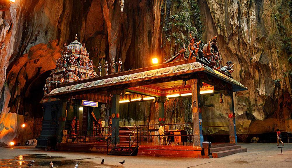 храм в пещере бату