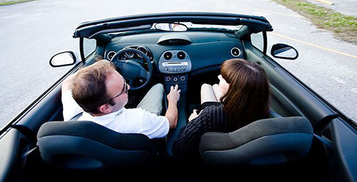 Муж м жена в машине