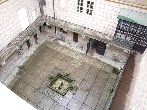 Замок Гоусак изнутри