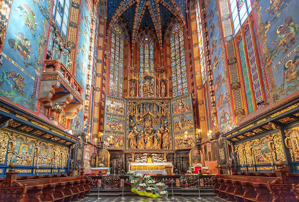 Древний Мариацкий костел внутри