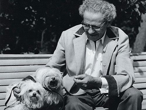 Вольф Мессинг с собаками