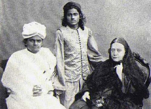 Елена Блаватская в Индии