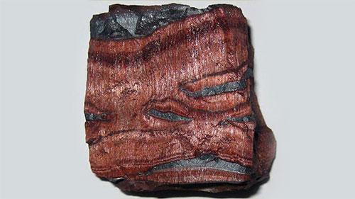 необработанный камень бычий глаз